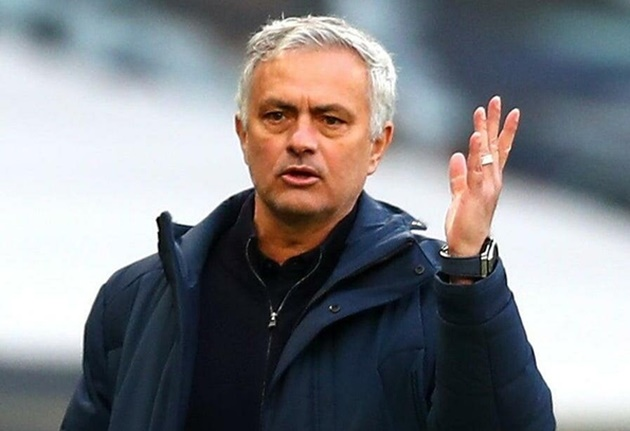 Harry Kane reveals he found out about Jose Mourinho's Tottenham sacking just 'five to ten minutes' before news broke - Bóng Đá